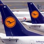 Neues vom Himmel: Elektronisches Gepäck, Flughafen-Kunst und lukrative Abschiebungen