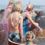 Sündhaft kalter Start ins neue Jahr: Das Ostseebad Boltenhagen lädt zum Neujahrsbaden
