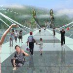 Längste Glasbrücke der Welt eröffnet im Zhangjiajie Nationalpark