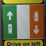 Wer links fährt, muss rechts besonders aufpassen
