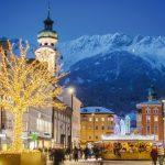 Innsbruck – Christkindlmarkt mit Bergkulisse