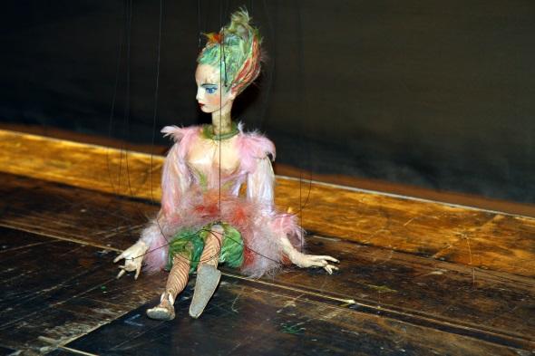 Große Spielkunst am seidenen Faden im Salzburger Marionettentheater. (Foto Karsten-Thilo Raab)