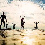 Gummistiefelweitwurf, Wellenreiten und SUP-Angeln im Ostseebad Kühlungsborn