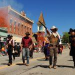 Kopflose Hähne und poetische Cowboys:Kuriose und grandiose Festivals in Colorado