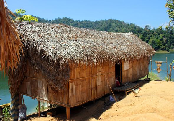 Einfache Behausungen finden sich im Orang Asli Dorf Kampung Chuweh. (Foto Karsten-Thilo Raab)