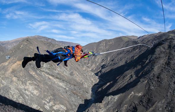 Das Nevis Catapult in Neuseeland hebt Adrenalinjunkies auf eine neue Erlebnisstufe.
