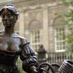 Dublins Molly Malone auf einmal redselig