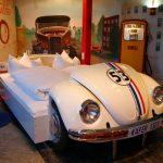 Der Hotelcheck: V8 Hotel – Nachtlager zwischen Motorhaube und Zapfsäule