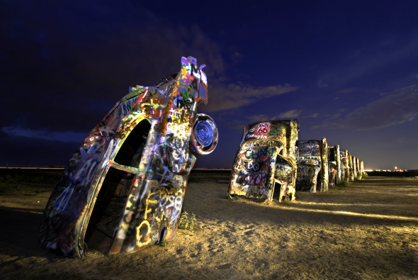 Ein faszinierendes Stück Texas: Die Cadillac Ranch in Amarillo. - Foto Amarillo Convention & Visitor Council