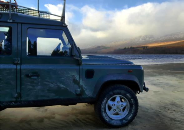 Die Off-Road-Safari durch die schottischen Highlands führt auch zum Strand des Loch Laggan. - Foto Karsten-Thilo Raab
