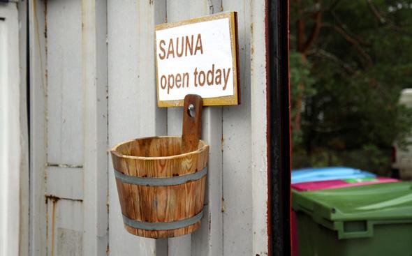 Für Entspannung sorgt auch die kleine, dorfeigene Sauna. - Foto Karsten-Thilo Raab