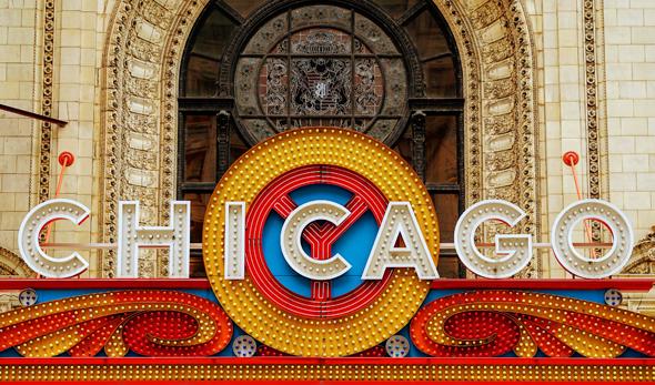 Zu den berühmten Landmarken gehört auch die Fassade des Chicago Theaters. - Foto Karsten-Thilo Raab