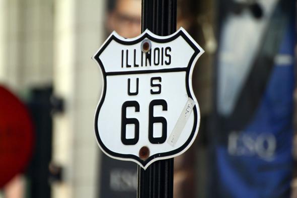 Auch der Startpunkt der legendären Route 66 liegt inmitten des Häusermeeres. - Foto Karsten-Thilo Raab