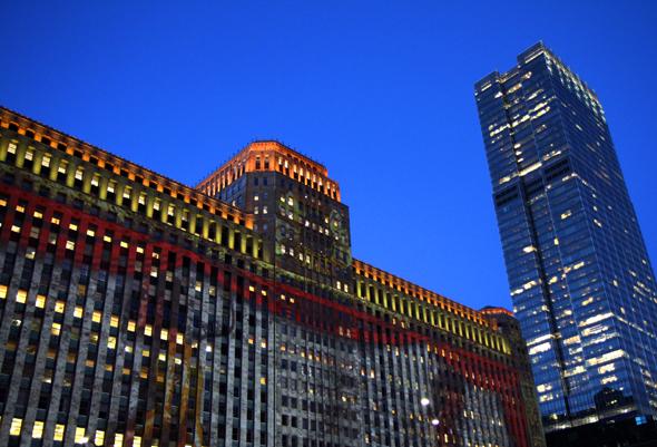 Prachtvoll illuminiert pr#sentiert sich die Innenstadt in den Abendstunden. - Foto Karsten-Thilo Raab