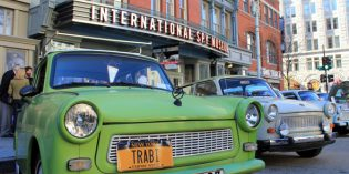 Trabi-Parade zum Mauerfall in Washington DC
