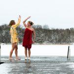 Eisbaden – Gute-Laune-Trend in Schweden